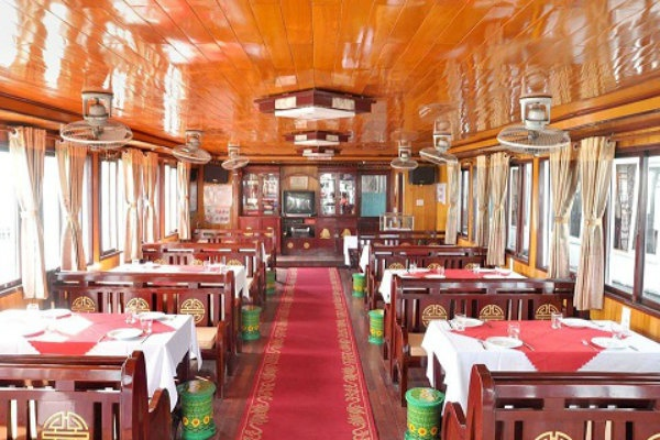 Restaurant on the cruise