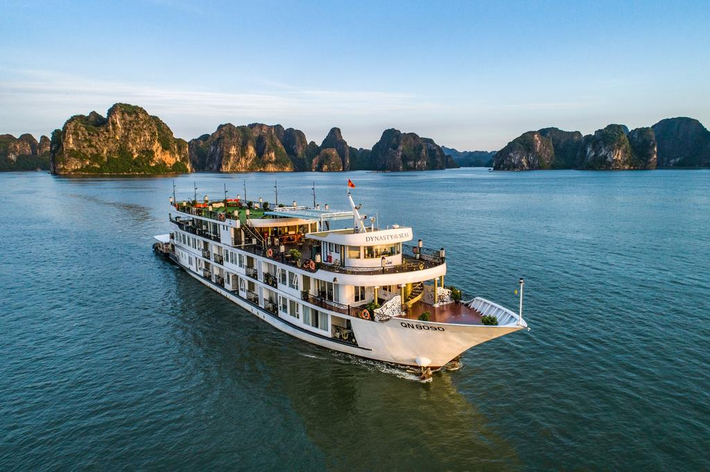 Halong Dynasty Cruise